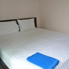 Отель Jomthong Guesthouse 2* Стандартный номер с двуспальной кроватью фото 2