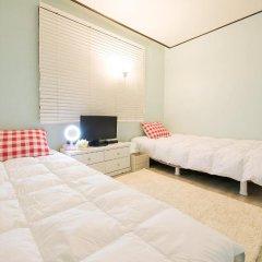 Kpopstarz Guesthouse - Caters to Women (отель для женщин) 2* Номер с общей ванной комнатой с различными типами кроватей (общая ванная комната)