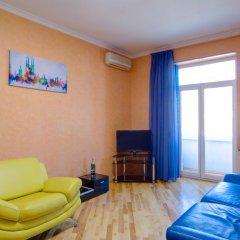 Гостиница BestKievApartment на Площади Независимости комната для гостей