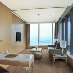 Отель Langham Place Guangzhou Семейный люкс