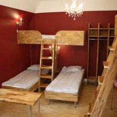 Birka Hostel Кровать в женском общем номере с двухъярусной кроватью