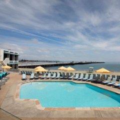 Отель Dream Inn Santa Cruz США, Санта-Крус - отзывы, цены и фото номеров - забронировать отель Dream Inn Santa Cruz онлайн бассейн