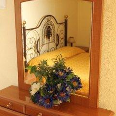 Отель Pensao Residencial Flor dos Cavaleiros 2* Стандартный номер с различными типами кроватей фото 13