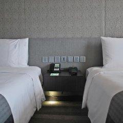 Отель Holiday Inn Bangkok Sukhumvit 4* Номер Премьер фото 7
