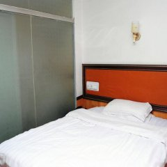 Отель Fubao Hostel Китай, Гуанчжоу - отзывы, цены и фото номеров - забронировать отель Fubao Hostel онлайн комната для гостей фото 2
