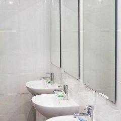Den i Noch Hostel Екатеринбург ванная