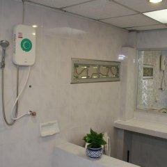 Отель Miggy Guest House Adults Only Бангкок ванная