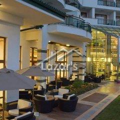 Отель Emerald Beach Resort & Spa Равда гостиничный бар