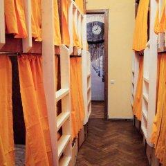 Хостел Fight night (закрыт) Кровать в общем номере с двухъярусными кроватями фото 8