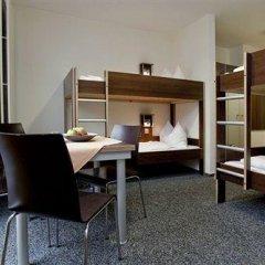 Отель Jugendherberge Düsseldorf Стандартный номер с различными типами кроватей фото 12