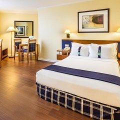 Отель Holiday Inn Lisbon 4* Стандартный номер с различными типами кроватей фото 8