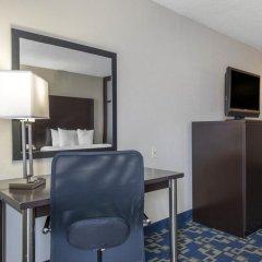 Отель Comfort Inn & Suites near Universal Orlando Resort 2* Стандартный номер с различными типами кроватей фото 11