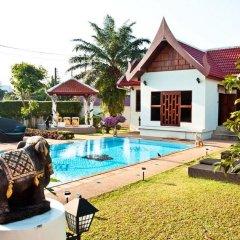Отель Baan Chang Bed and Breakfast бассейн