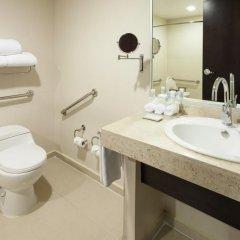 Отель Holiday Inn Express Guadalajara Iteso 2* Стандартный номер с различными типами кроватей