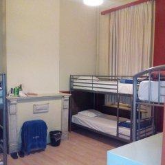 Brussels Louise Hostel Кровать в общем номере с двухъярусной кроватью фото 6