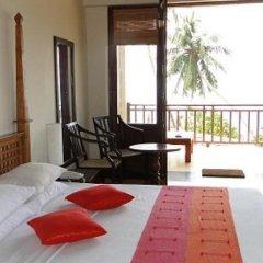 Отель Thaproban Beach House балкон
