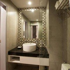 Отель The Crib Patong 3* Улучшенный номер с двуспальной кроватью фото 8