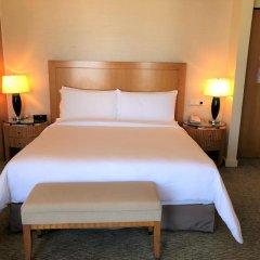 Four Seasons Hotel Mumbai 5* Номер Премьер с двуспальной кроватью фото 3