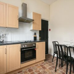 Отель Chorlton Short Term South Manchester Townhouse в номере фото 2