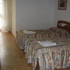 Отель Hostal Pineda комната для гостей