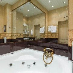 Гостиница Royal Capital 3* Номер Бизнес с различными типами кроватей фото 32
