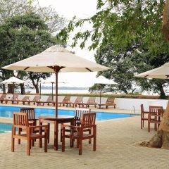 Отель Lakeside At Nuwarawewa Анурадхапура бассейн фото 3