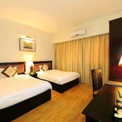 Century Riverside Hotel Hue 4* Номер Делюкс с различными типами кроватей фото 9