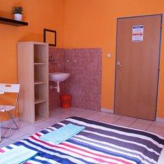 Хостел Seven Prague Номер с общей ванной комнатой с различными типами кроватей (общая ванная комната) фото 39