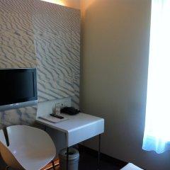 Ibis Styles Amsterdam CS Hotel 3* Стандартный номер с различными типами кроватей фото 2