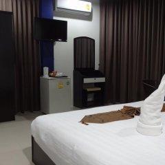 Отель But Different Phuket Guesthouse 3* Улучшенный номер с различными типами кроватей фото 6