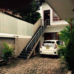 Отель Colombo Holiday Home Шри-Ланка, Коломбо - отзывы, цены и фото номеров - забронировать отель Colombo Holiday Home онлайн парковка