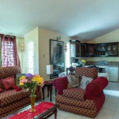 Отель Relax in Sunny Montego Bay, JA комната для гостей фото 4