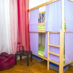 Гостиница Hostels Rus Kitay Gorod Кровать в женском общем номере двухъярусные кровати