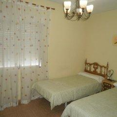 Отель Hostal Restaurante Las Ruedas Стандартный номер с различными типами кроватей фото 2
