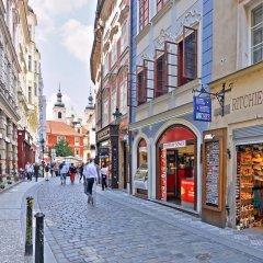 Отель Ritchies Hostel & Hotel Чехия, Прага - отзывы, цены и фото номеров - забронировать отель Ritchies Hostel & Hotel онлайн вид на фасад фото 2
