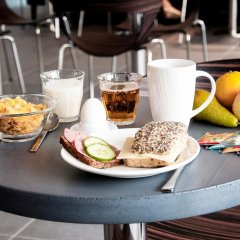 Отель Wakeup Copenhagen - Carsten Niebuhrs Gade питание фото 2