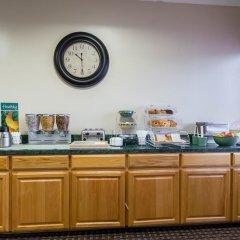 Отель Econo Lodge Кингсвилль питание