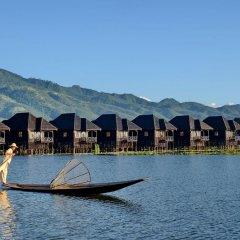 Отель Myanmar Treasure Resort Inle 4* Номер Делюкс с различными типами кроватей фото 7