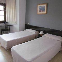 Отель Hostal Julian Brunete Брунете комната для гостей фото 4