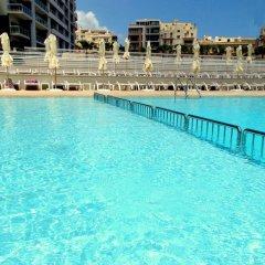 Отель Summer Breeze Слима бассейн фото 2