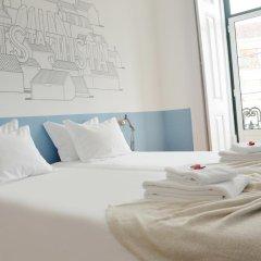Отель Lisbon Check-In Guesthouse 3* Стандартный номер с двуспальной кроватью (общая ванная комната) фото 14