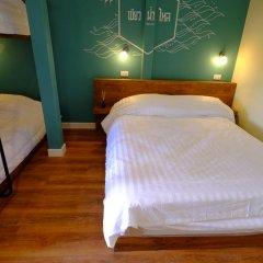 Хостел Siri Poshtel Bangkok Стандартный семейный номер с двуспальной кроватью фото 3