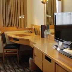 Отель Furama City Centre 4* Улучшенный номер с различными типами кроватей фото 4