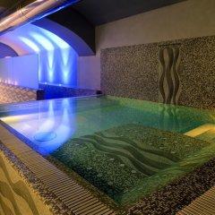 Отель iH Hotels Roma Dei Borgia бассейн