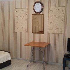 Vse svoi na Bol'shoy Konyushennoy Hostel Кровать в женском общем номере с двухъярусной кроватью фото 9