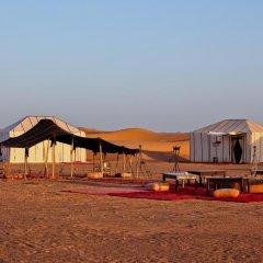 Отель Merzouga Luxury Camp Марокко, Мерзуга - отзывы, цены и фото номеров - забронировать отель Merzouga Luxury Camp онлайн пляж