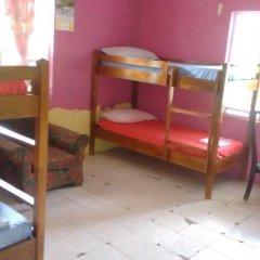 IRIE Vibez hostel Кровать в общем номере фото 4