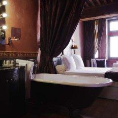 Cour Des Loges Hotel 5* Улучшенный номер с различными типами кроватей фото 8