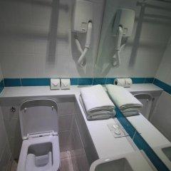 Queens Hotel 3* Улучшенный номер с различными типами кроватей фото 5