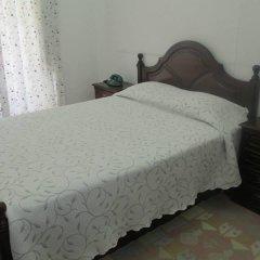 Отель Pensao Sao Joao da Praca 2* Стандартный номер с двуспальной кроватью (общая ванная комната)